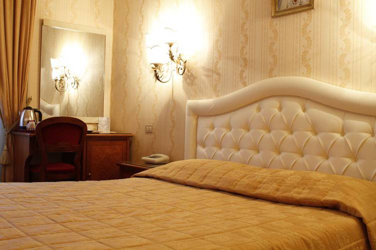 Standard double room eliseo hotel rome