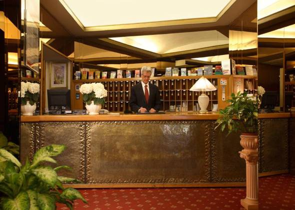 24 hours reception eliseo hotel rome